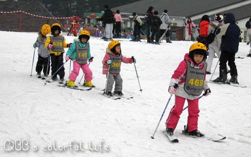小孩滑雪.jpg