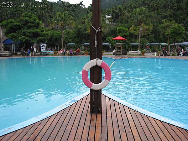 皇后鎮森林-游泳池.jpg
