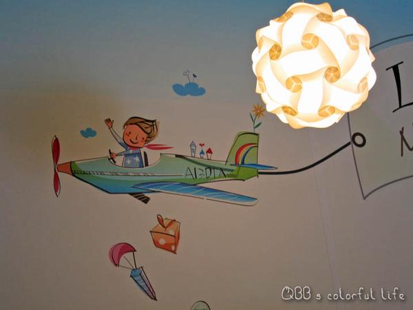 牆壁插畫.jpg
