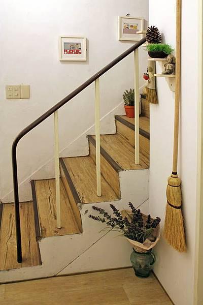 好日-樓梯間.jpg