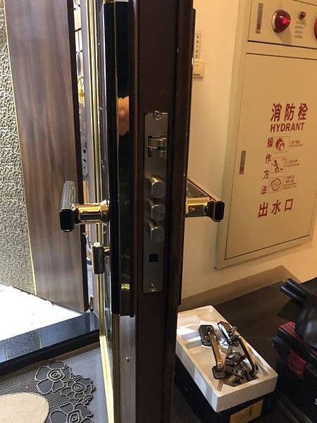 台南voc電子鎖.jpg