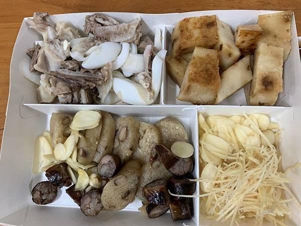 朴子車站黑白切加點薑蒜,看來可口美味。(圖/記者陳惲朋攝).jpg