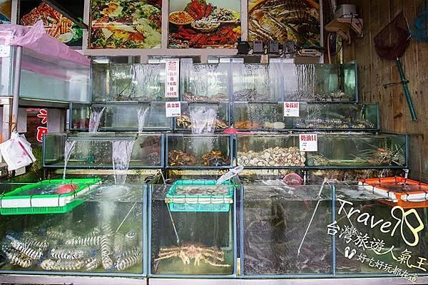 後壁湖海產,後壁湖新鮮生魚片,都在水箱裡可以看到