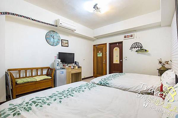 台南民宿-202浪漫四人房-房間內部