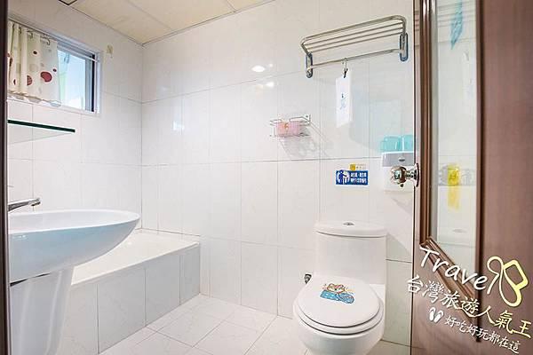 台南親子民宿-203童書景觀-四人套房-廁所