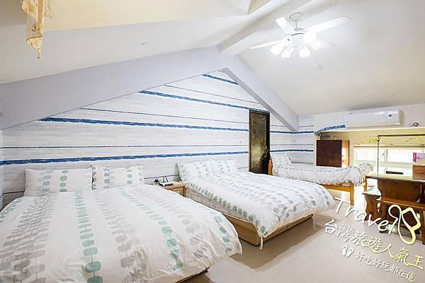 台南民宿-好望角8人套房-左邊-5人房.jpg