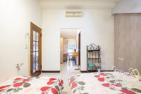 台南民宿-好望角8人套房-右邊3人房-全景