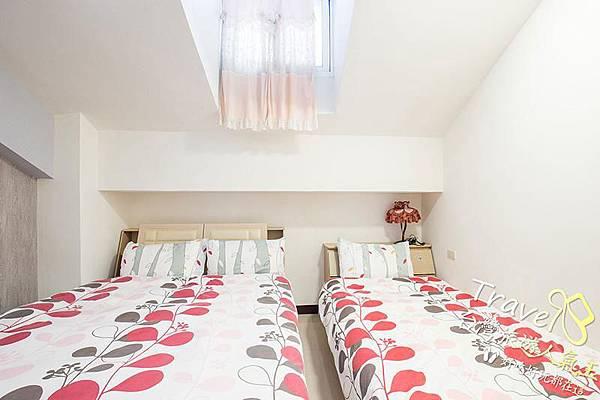 台南民宿-好望角8人套房-民宿床墊-右邊3人房