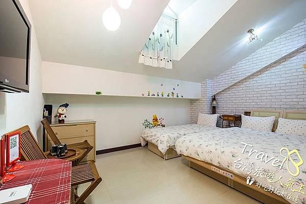 台南民宿-閣樓設計-3人房