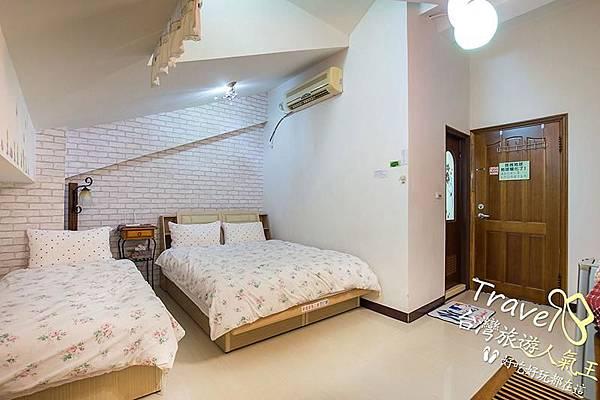 台南民宿-閣樓設計-3人房-全景