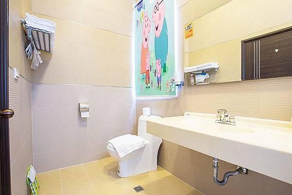 廁所-童樂園-親子民宿