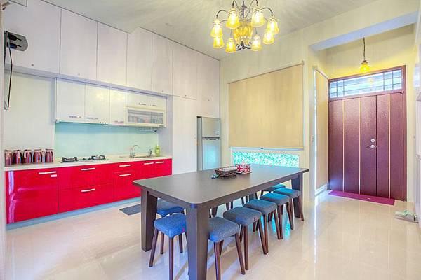 童樂園民宿設有廚房,可供使用。而且有小餐桌呢!