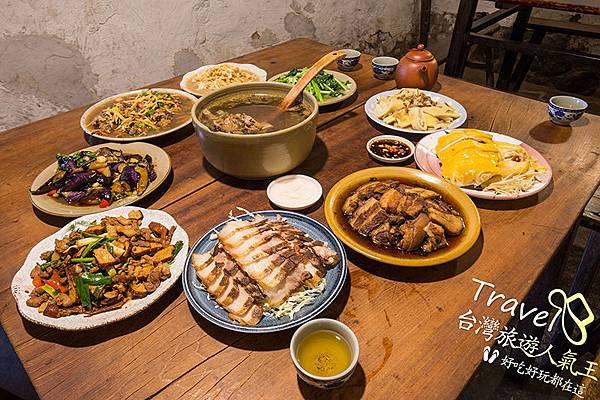 9菜一湯-好好吃-桌面擺滿