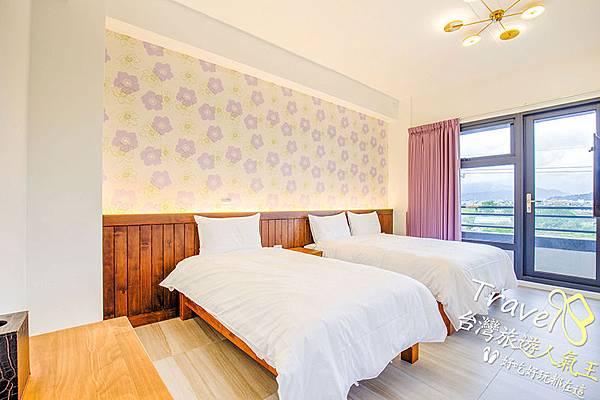 雙人床+單人床,3F暖心房的空間很明亮舒適唷