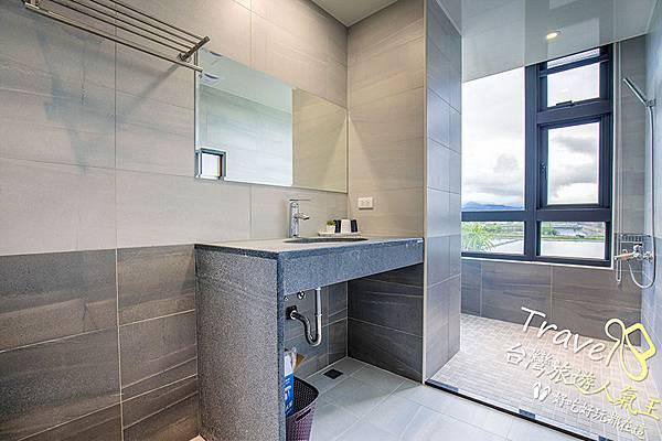衛浴空間-寬敞-窗戶_景觀,宜蘭風景