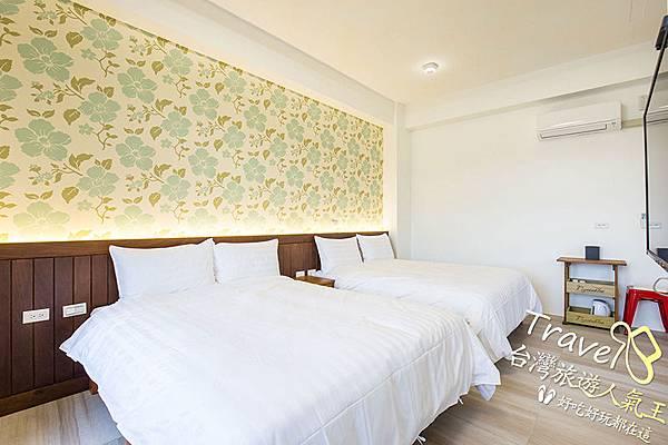 白色-大床+枕頭-軟綿綿-安農第五街