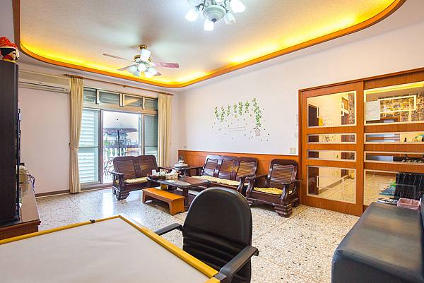 2F客廳-沙發椅子-香魚之家提供
