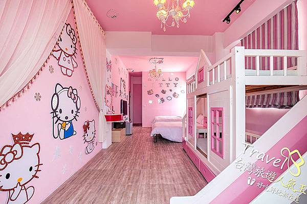 卡通貓4人房+遊戲滑梯