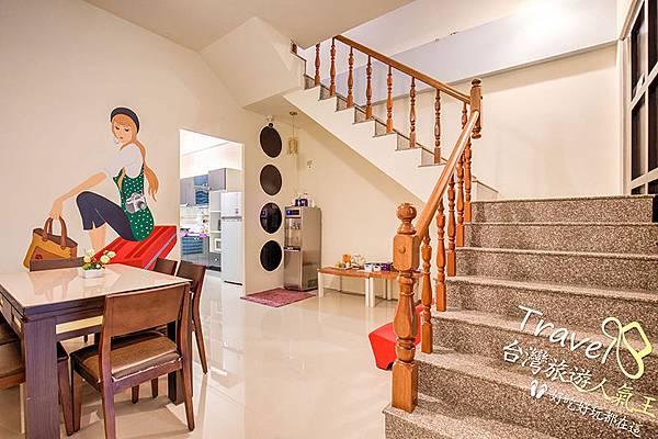 壁畫-樓梯-整體風格-台東民宿