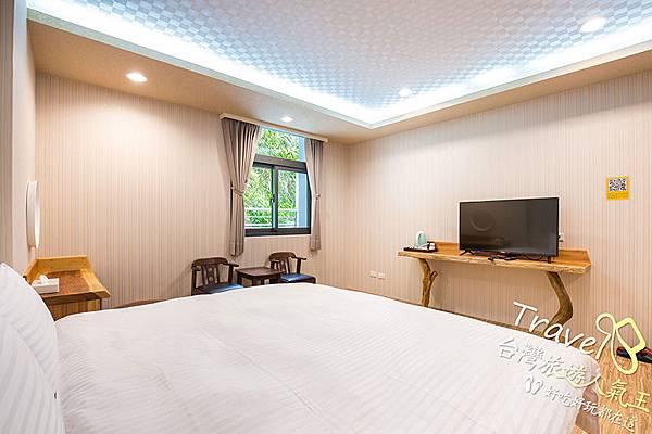 207標準雙人房-微楓渡假民宿-附設床具、桌椅