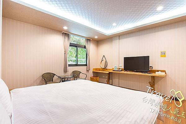 208標準雙人房-微楓渡假民宿-附設床具、桌椅
