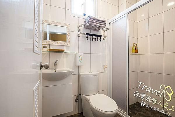 海明威綠島民宿,山景房型-衛浴空間