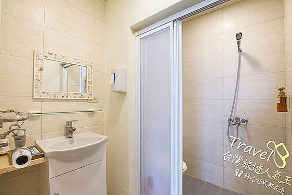 綠島海明威民宿,201三人海景房,衛浴設施