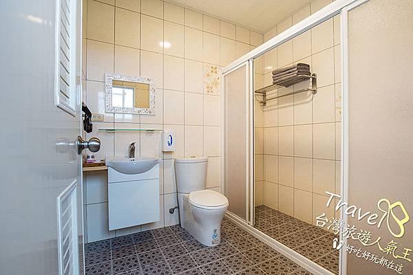 綠島海明威民宿,205四人山景房,衛浴設施
