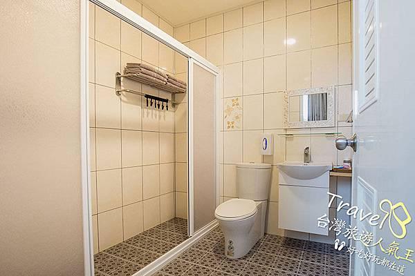 綠島海明威民宿,206六人山景房,民宿衛浴
