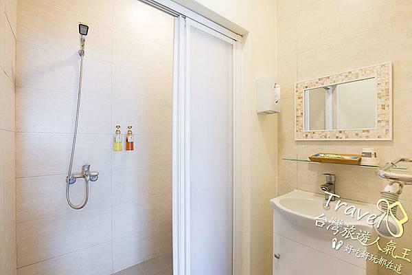 綠島海明威民宿,302雙人海景房,綠島民宿衛浴