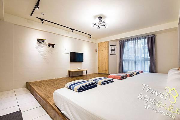 明月小築民宿台東館,301 六人房,床