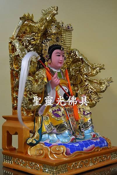 訂製神像 地母娘娘 一尺六 身坐九鳳椅 活眼 植髮 珍珠漆彩繪 3