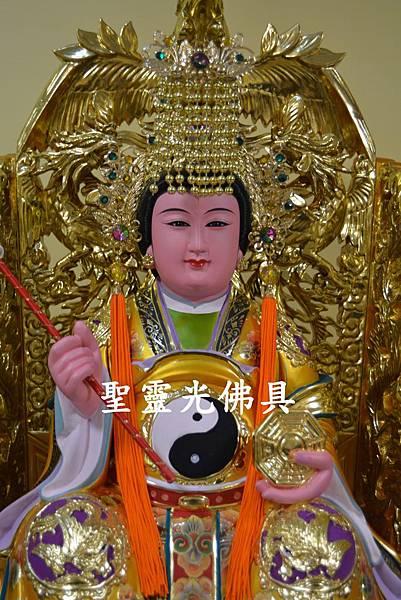 訂製神像 地母娘娘 一尺六 身坐九鳳椅 活眼 植髮 珍珠漆彩繪 2