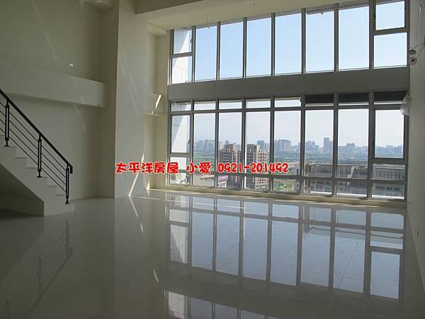 租【市政廳】高樓視野辦公室~月租金4萬元
