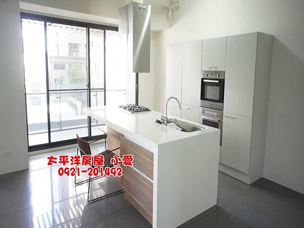 高鐵【大硯二宅】優質明亮3+1房~售1880萬