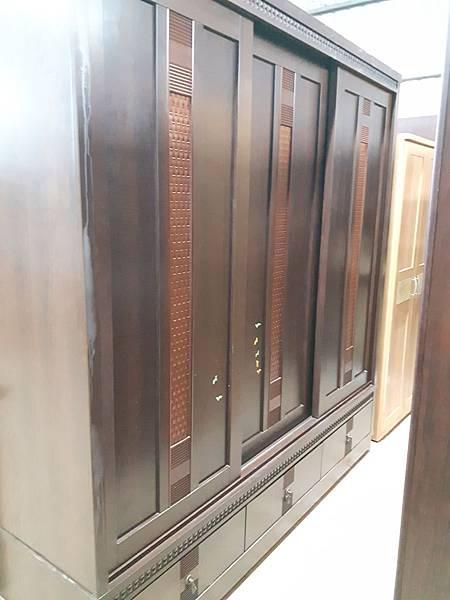 7尺衣櫃.jpg