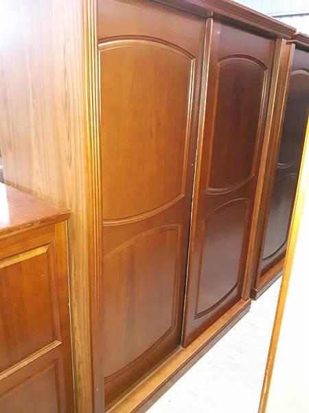 5尺半柚木衣櫥-1.jpg