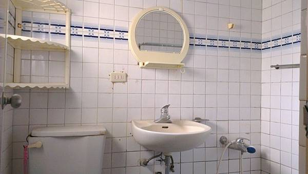08 2F衛浴開窗