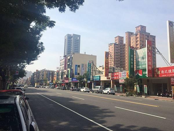 20151103華夏路店面_8954.jpg