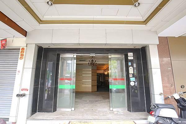修高雄市中心★商五企業總部中華七賢路口-照片 (10)