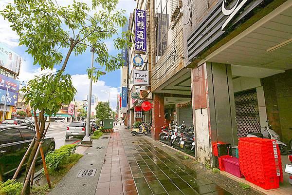 修高雄市中心★商五企業總部中華七賢路口-照片 (3)