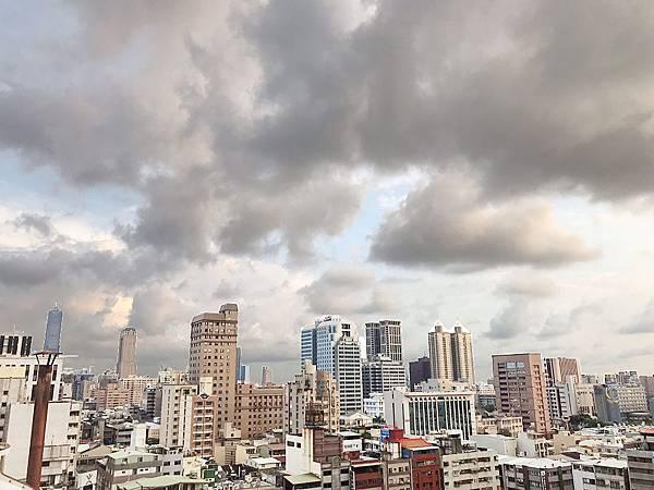 修高雄市中心★商五企業總部中華七賢路口-照片 (16)