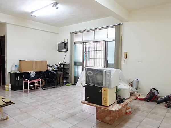 文化中心超大空間公寓2