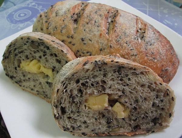 免揉堅果芝麻法國麵包-乳酪丁