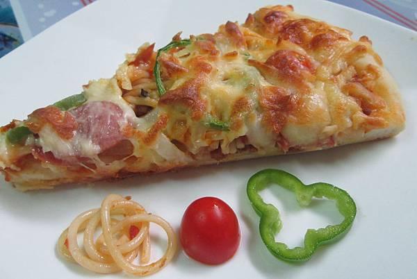 義大利麵披薩
