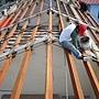屋瓦漏水 木梁更新施工中