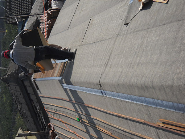 屋瓦翻修 屋瓦漏水 防水毯施工中