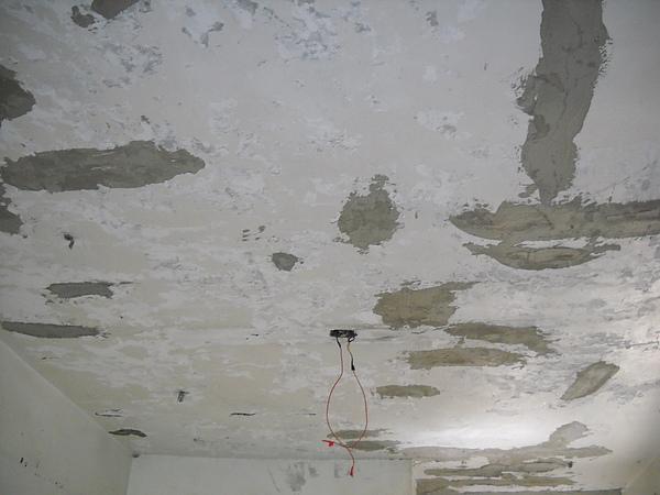 舊屋翻新一天花板補強
