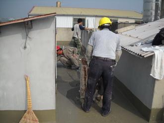 房屋漏水一屋頂漏水  粉光施工中 地點彰化縣
