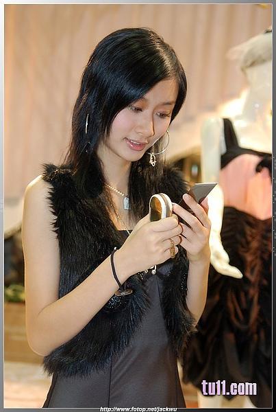 Nokia展台的漂亮妹妹 (7).jpg